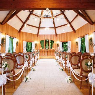 軽井沢の結婚式場の旧軽井沢チャペル